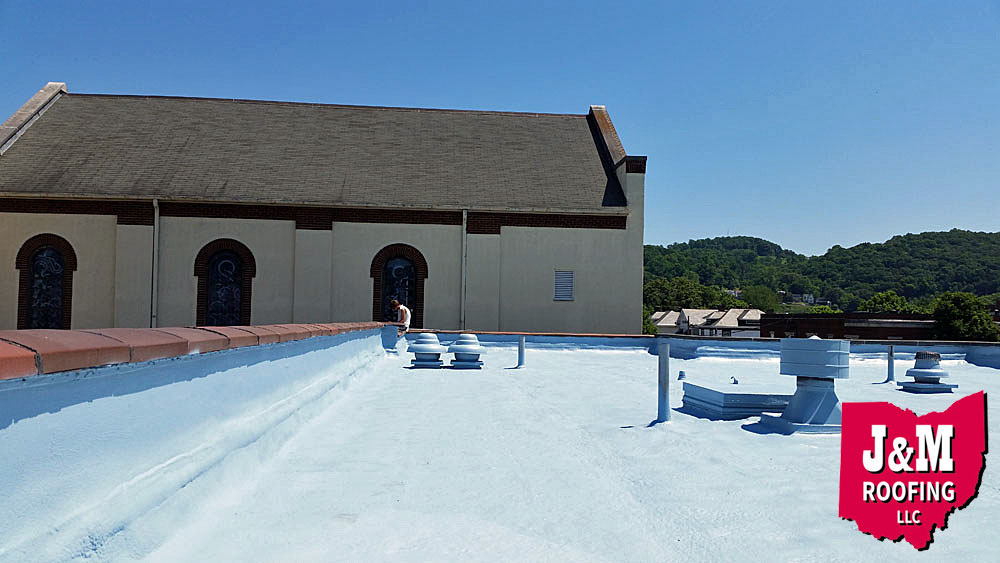 spray polyurethane foam roof coating job