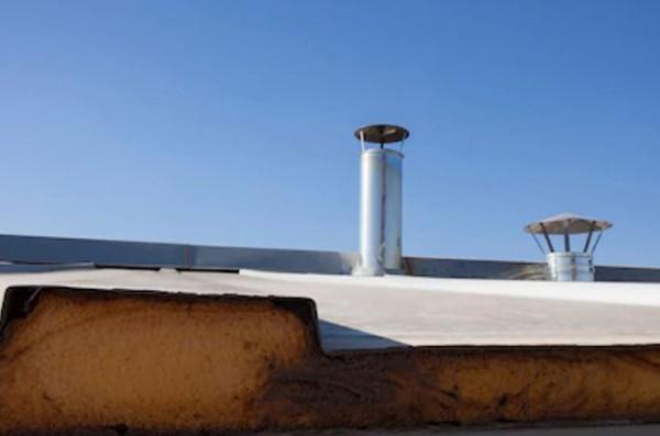 polyurethane foam on a flat roof 1