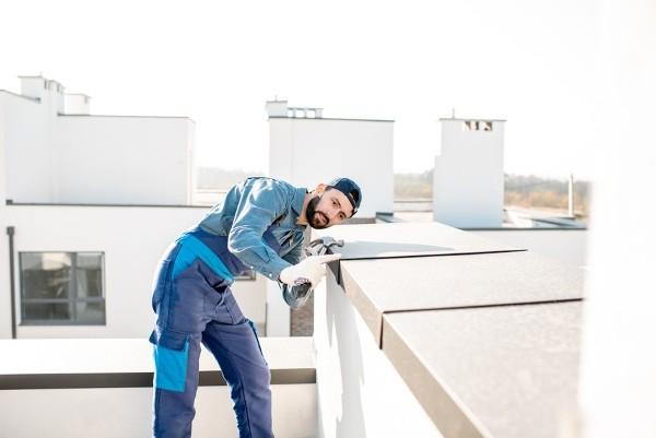 contractor building parapet